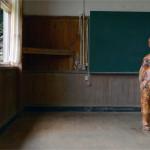 河田百代 学生展示 「いつかの少年」  イカ、ポリスチレン (元対馬市立久田小学校内院分校にて展示)